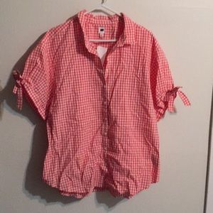 GAP button shirt top in pink check.
